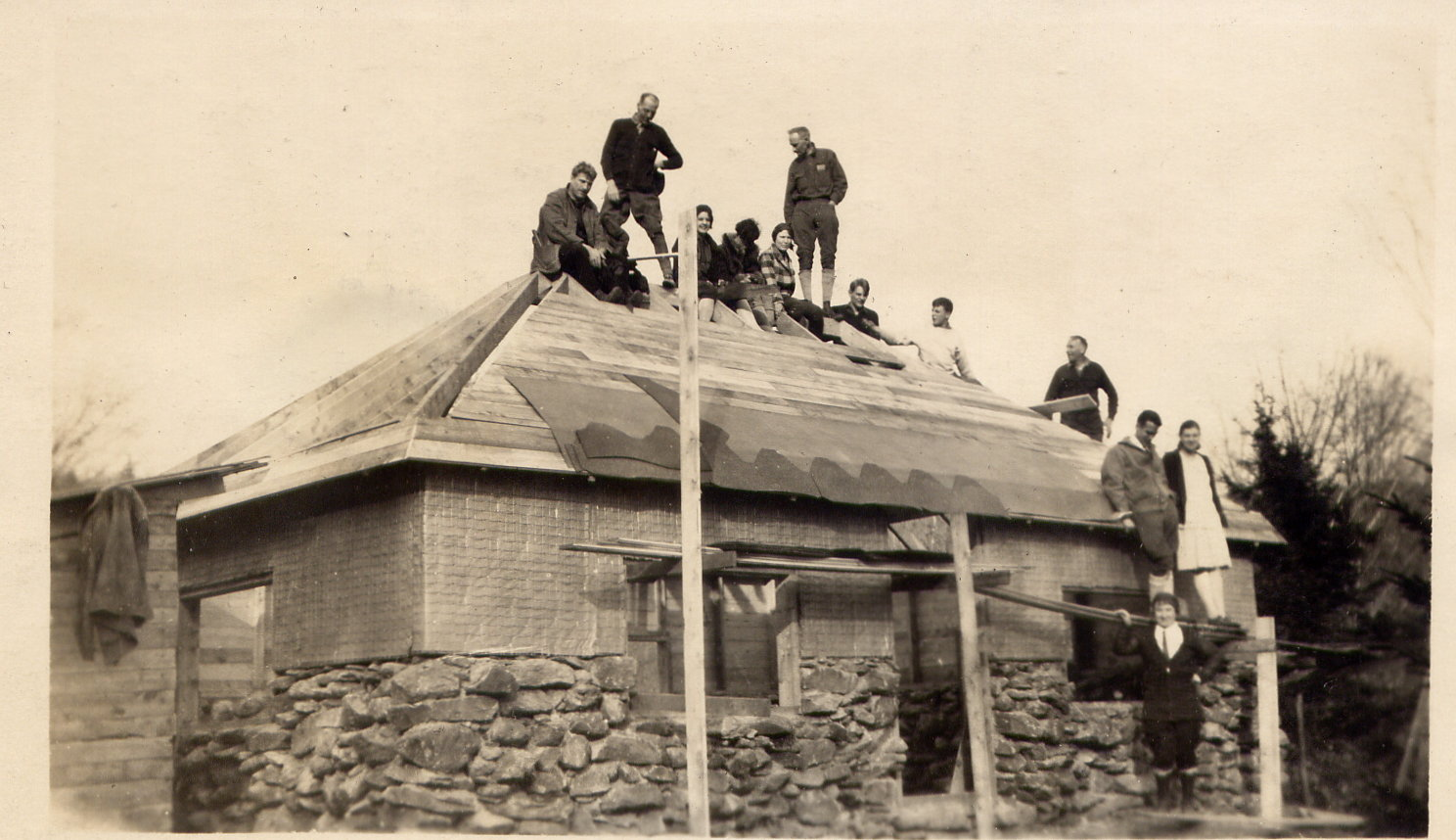 1929, Bottom left counter c'wise. Mrs.Ernest Smith, Dr Twichell, M/M Deryea, Mrs. Salls, on roof Mr. Smith and K.T. Salls