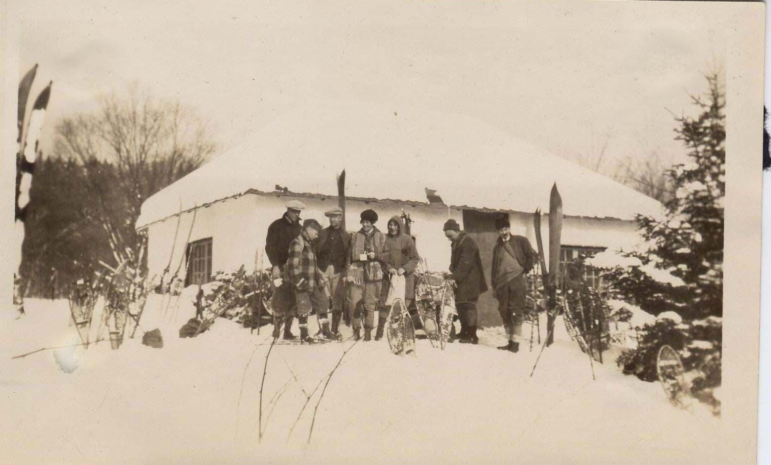 1929, Zoe Bodman and group